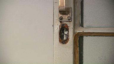 Unidade de saúde e cmei, em Ponta Grossa, são furtados no fim de semana - Criminosos levaram televisão e compressor de ar.