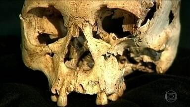 Crânio de Luzia foi descoberto num sítio arqueológico em Minas - Crânio tinha 11.500 anos e estava no Museu Nacional. Luzia se parecia com humanos que saíram da África, cruzaram a Ásia e vieram para as Américas, até chegar ao Brasil.