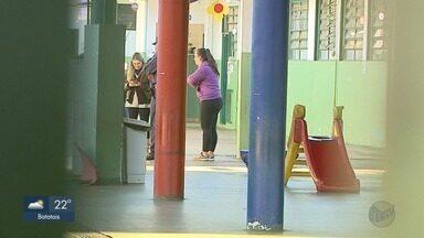 Creche municipal é furtada no Bairro Adelino Simioni em Ribeirão Preto, SP - Pais relatam que foi a 8ª vez este ano que a creche é alvo de criminosos.