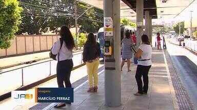 Estudantes reclamam de atraso no depósito de créditos do Passe Livre Estudantil, em Goiás - Sugestão foi enviada pelos canais de comunicação da TV Anhanguera.