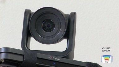 Justiça usa videoconferência para agilizar processos em Taubaté - Cerca de 95% das audiências usam método.