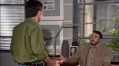 Cemil não concorda com as novas atribuições no trabalho - Cemil e Alberto se desentendem