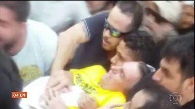 Jair Bolsonaro segue internado em UTI após ser ferido por faca em MG - Candidato à Presidência da República está está internado na Santa Casa de Juiz de Fora. Polícia Federal investiga o caso para entender as motivações do atentado.