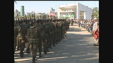 Desfile de 7 de setembro movimenta a cidade de Criciúma - Desfile de 7 de setembro movimenta a cidade de Criciúma