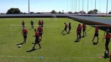 Atlético-GO e Goiás entram em campo nesta sexta em busca de mais uma vitória - Fora de casa, Dragão enfrenta o Oeste, e Alviverde pega o Boa Esporte