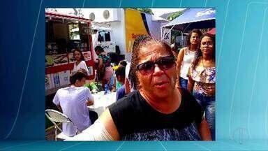 Mulher sofre queimaduras durante desfile de 7 de Setembro em Governador Valadares - Barraca de churros foi atingida por guarda-sol e vendedora se queimou.