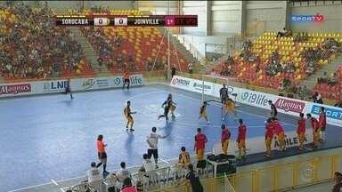 Sorocaba Futsal perde para o Joinville em casa - O Joinville não levou em consideração o atual bicampeão mundial de futsal e goleou o Sorocaba por 5 a 2, na tarde deste sábado (8), em partida realizada na Arena Sorocaba e válida pela fase de classificação da Liga Nacional de Futsal (LNF).
