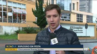 Cinco pessoas ficam feridas após explosão em festa - Elas foram levadas ao Hospital Evangélico.
