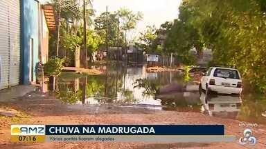 Chuva na capital deixou vários pontos da cidade alagadas, no AP - Casas estão alagadas em áreas de ponte no bairro Nova Esperança e Jesus de Nazaré. Famílias encontrarão dificuldades para sair de suas residências