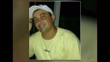 Em Castanhal, dono de balneário foi assassinado - Nessa ocasião, a vitima que andava armada, correu pra dentro do carro, houve troca de tiros, sendo que a vítima foi alvejada e não resistiu.