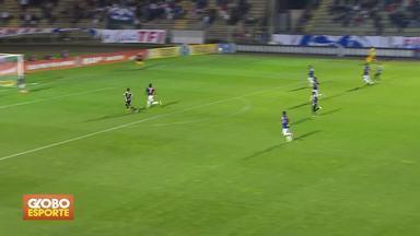 Veja mais gols pela 24ª rodada - Vitória vence o Vasco e Paraná perde em casa para o Santos. Gabigol faz dois e se isola na artilharia do campeonato.