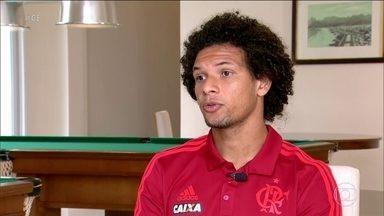 """William Arão chega aos 150 jogos pelo Flamengo e elogia Juan: """"Vivo aprendendo com ele"""" - William Arão chega aos 150 jogos pelo Flamengo e elogia Juan: """"Vivo aprendendo com ele"""""""