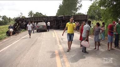 BR-222 passa o dia interditada no Maranhão - Acidente com uma carreta no Vale do Pindaré causou a interdição.