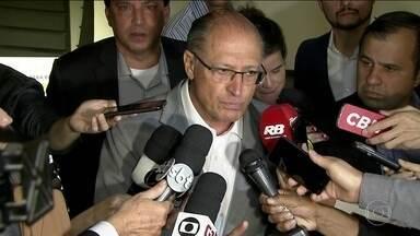 Candidato do PSDB, Geraldo Alckmin, faz campanha em São Paulo - Jornal Nacional mostra como foram as atividades de campanha de candidatos à presidência nesta segunda (10).