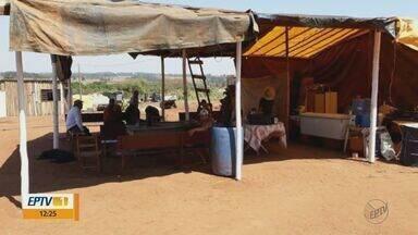 Famílias despejadas de Bueno de Andrada retornam ao Assentamento Monte Alegre - Cerca de 80 famílias foram retiradas há cerca de três meses.