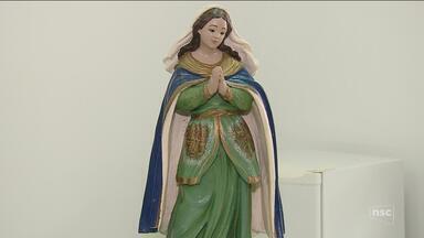 PM diz que imagem encontrada é de Nossa Senhora da Lapa que foi furtada de igreja - PM diz que imagem encontrada é de Nossa Senhora da Lapa que foi furtada de igreja