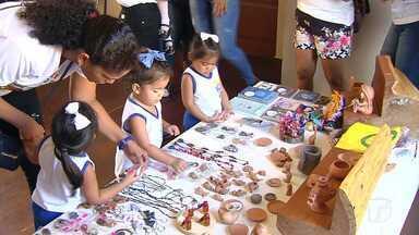 Crianças do ensino maternal do CMEI José Procópio visitam Centro Cultural João Fona - Turminha se divertiu conhecendo um pouco a história de Santarém.