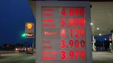 Reajustes constantes fazem preço da gasolina bater R$ 5 na região oeste do Pará - O preço do combustível já bate recordes em varias regiões do país.