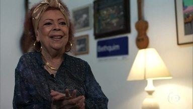 Beth Carvalho elogia o talento de Arlindo Cruz - Sombrinha relembra composição de uma música encomendada pela cantora