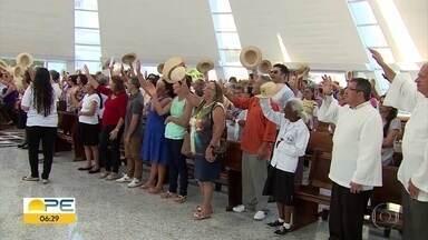 Fiéis homenageam Nossa Senhora das Dores, padroeira de Caruaru, no Agreste - As festividades vão até o dia 15 de setembro. Paróquia comemora 170 anos de fundação.