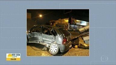 Mulher morre em batida de carro em cruzamento de Bauru, no interior de SP - O motorista do outro carro estava bêbado. Ele foi preso em flagrante.