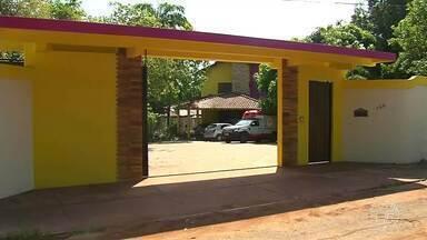 Bandidos armados invadem espaço de bronzeamento e assaltam mulheres em Santarém - Durante a ação dos criminosos, elas correram e algumas acabaram se ferindo.