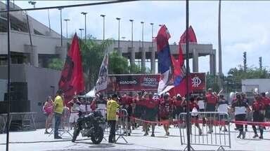 Torcida do Flamengo faz a festa no Maracanã em corrida da Nação - Torcida do Flamengo faz a festa no Maracanã em corrida da Nação