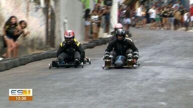 Corrida de carrinho de rolimã acontece no bairro da Penha, em Vitória - Essa é a 10ª edição do campeonato.
