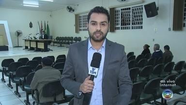 Sessão de cassação do prefeito Dirlei Salas é marcada para esta segunda-feira - A sessão de julgamento do processo de cassação do prefeito de Araçoiaba da Serra (SP), Dirlei Salas (PV), foi marcada para a noite desta segunda-feira (17).