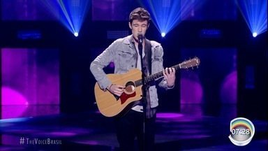 Murilo Bispo é escolhido pelo público e avança no The Voice - Cantor ainda recebeu um elogio de Anitta.