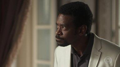 Roberval ameaça a família e garante que descobrirá quem o traiu - Milionário desconfia de Severo e Rochelle. Edgar fica intrigado com reação do irmão