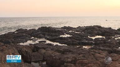 Homem morre afogado na praia da Paciência, no bairro do Rio Vermelho - Um vendedor ambulante testemunhou o afogamento e disse que não tinha salva-vidas na região para atender a vítima.