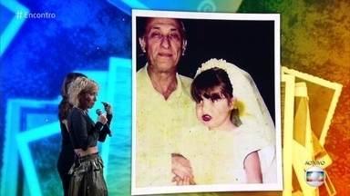 Luiza Possi revê foto como noiva na infância e fala sobre casamento no fim do mês - Cantora revela que anda muito emotiva ao pensar na proximidade do casamento