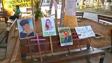 Mulheres se reunem em protesto contra o feminicídio - Saiba mais em g1.com.br/ce