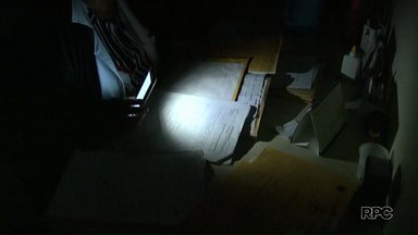 Atendimento na UBS da Souza Naves ainda não voltou ao normal - Na noite de terça-feira (18), bandidos furtaram a fiação elétrica do posto de saúde e causaram um transtorno para funcionários e pacientes.
