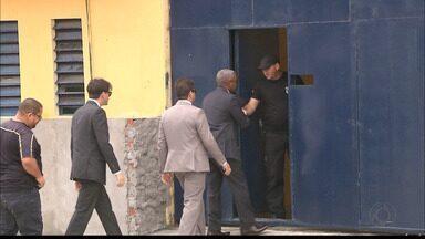 Agentes penitenciários de João Pessoa suspeitos de vender celulares para presos - Dependendo do modelo, alguns celulares chegavam a custar 50 mil reais.