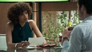 Vanda avisa a Samuca que tentará um acordo com Dom Sabino - Samuca pede que Natália leve Bento ao shopping para comprar novas roupas. Paulina aparece de surpresa para falar com Samuca