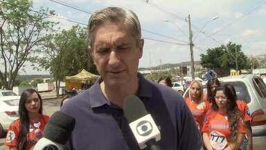 Rogério Rosso (PSD) caminhou pelas ruas de São Sebastião - O candidato disse que, se chegar ao Palácio do Buriti, pretende construir policlínicas na região e colocar as delegacias para funcionar 24h.