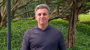 Luciano Huck comenta as atrações do Caldeirão - Confira os quadros do programa