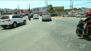 Motoristas reclamam de congestionamento nas rotatórias em São Luís - Soluções como semáforos e a atuação de agentes nem sempre ajudam a dar mais fluidez ao trânsito na capital.