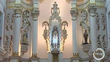 Altar da basílica de Bom Jesus de Tremembé é restaurado - Processo foi trabalhoso para ser concluído.