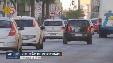 Números de acidentes com vítimas e mortos caem nas vias do DF - Redução da velocidade de 60km/h para 50km/h em oito avenidas baixou o número de feridos e mortos.