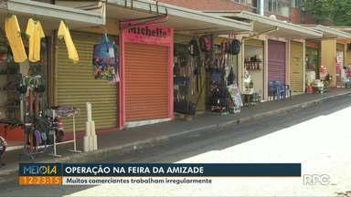 Após operação contra contrabando, comerciantes voltam a trabalhar na Feira da Amizade - Muitos reclamam que não consegue se legalizar.