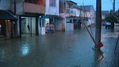 Temporal causa alagamentos em casas na Zona Norte de Porto Alegre - Assista ao vídeo.