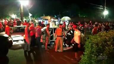 Rapaz é morto pela Polícia Militar depois de atropelar oito pessoas - Ele saia de uma festa na PR-317 quando foi abordado pelos polícias.