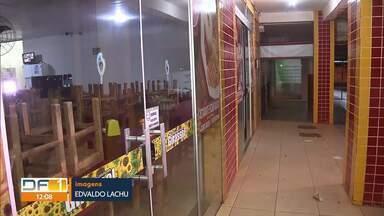Comerciantes de Santa Maria são vítimas de assaltos - Criminosos agem a qualquer hora do dia na cidade. Polícia Militar reforça que é preciso registrar ocorrência.
