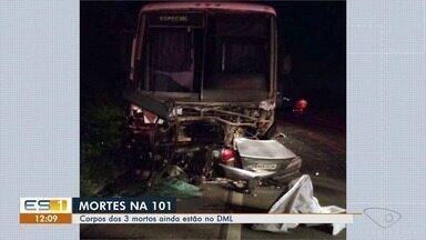 Três pessoas morrem em acidente na BR-101, em Guarapari - Acidente foi entre um carro e um ônibus. Os corpos ainda estão no Departamento Médico Legal.