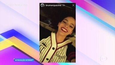 Giro da Ana: Bruna Marquezine fica presa do lado de fora do quarto de hotel - Confira tudo o que os famosos andam postam nas redes sociais