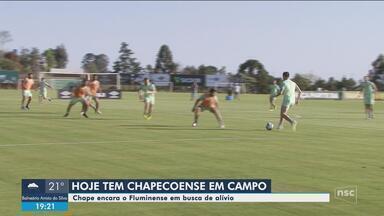 Chape recebe o Fluminense e pode abrir distância para a zona de rebaixamento - Chape recebe o Fluminense e pode abrir distância para a zona de rebaixamento