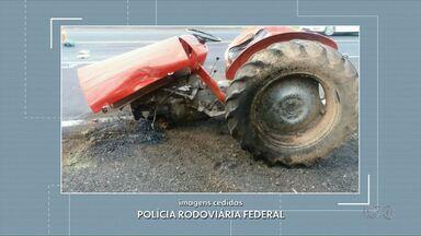 Acidente com trator deixa uma pessoa ferida - Um homem ficou ferido no acidente que aconteceu na BR 277 em Prudentópolis.
